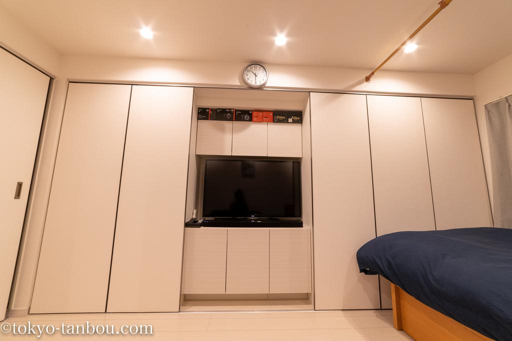 【ワンルーム シアタールーム】賃貸DIY ワンルームや1Kの部屋でシアタールームを作る!一人暮らしの部屋でBOSEのサウンドバーとサラウンドスピーカーを設置した話